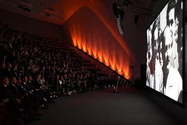 Click to enlarge image quirino-awards-public-gala.jpg